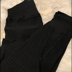 WORK OUT LEGGINGS WITH  HIGH COMPRESSION